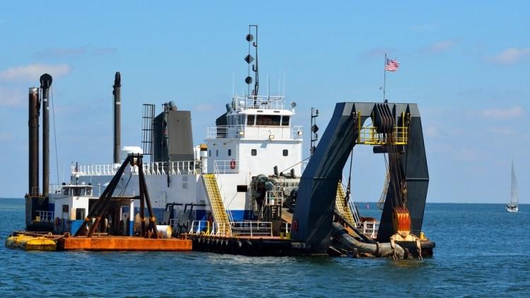Baggeraars gaan bijzonder giftig slib weghalen uit de haven van Antwerpen