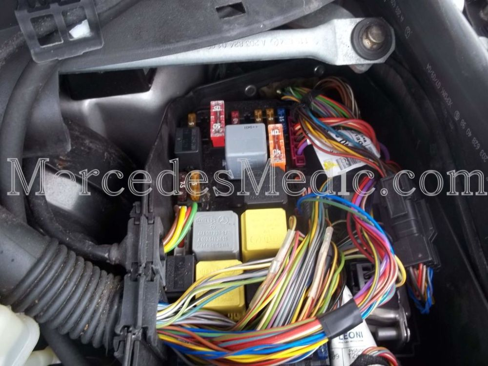 medium resolution of  wrg 7679 2003 benz c320 fuse diagram for horn