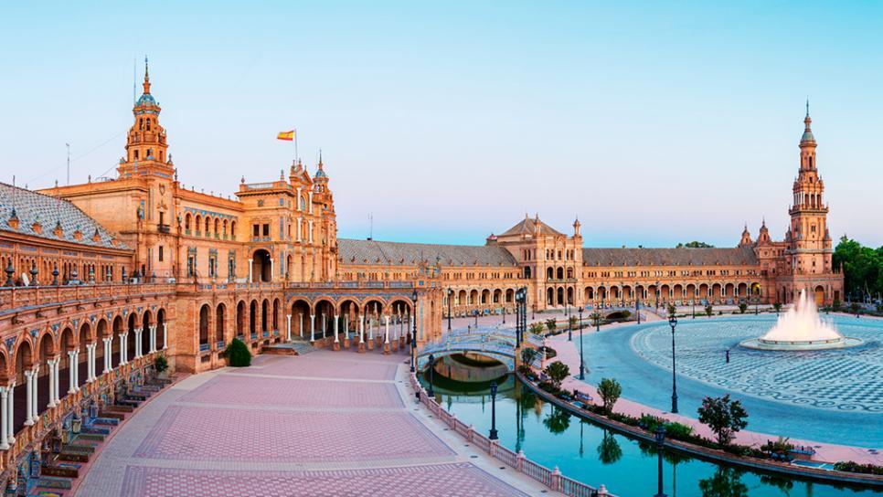 Top 10 Places to Visit in Spain Plaza de España