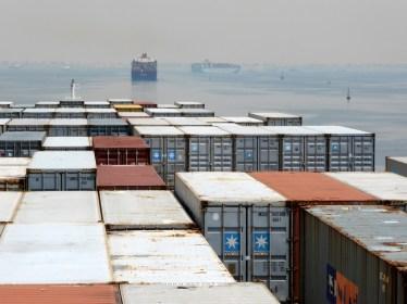 Am Eingang vom Suez Kanal