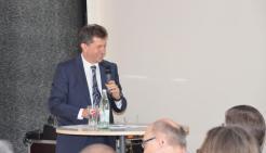 Referent Diplom-Ingenieur Bernhard Riedl - Bild: peridomus.de