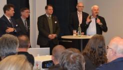 Diskussionsrunde - Bild: peridomus.de