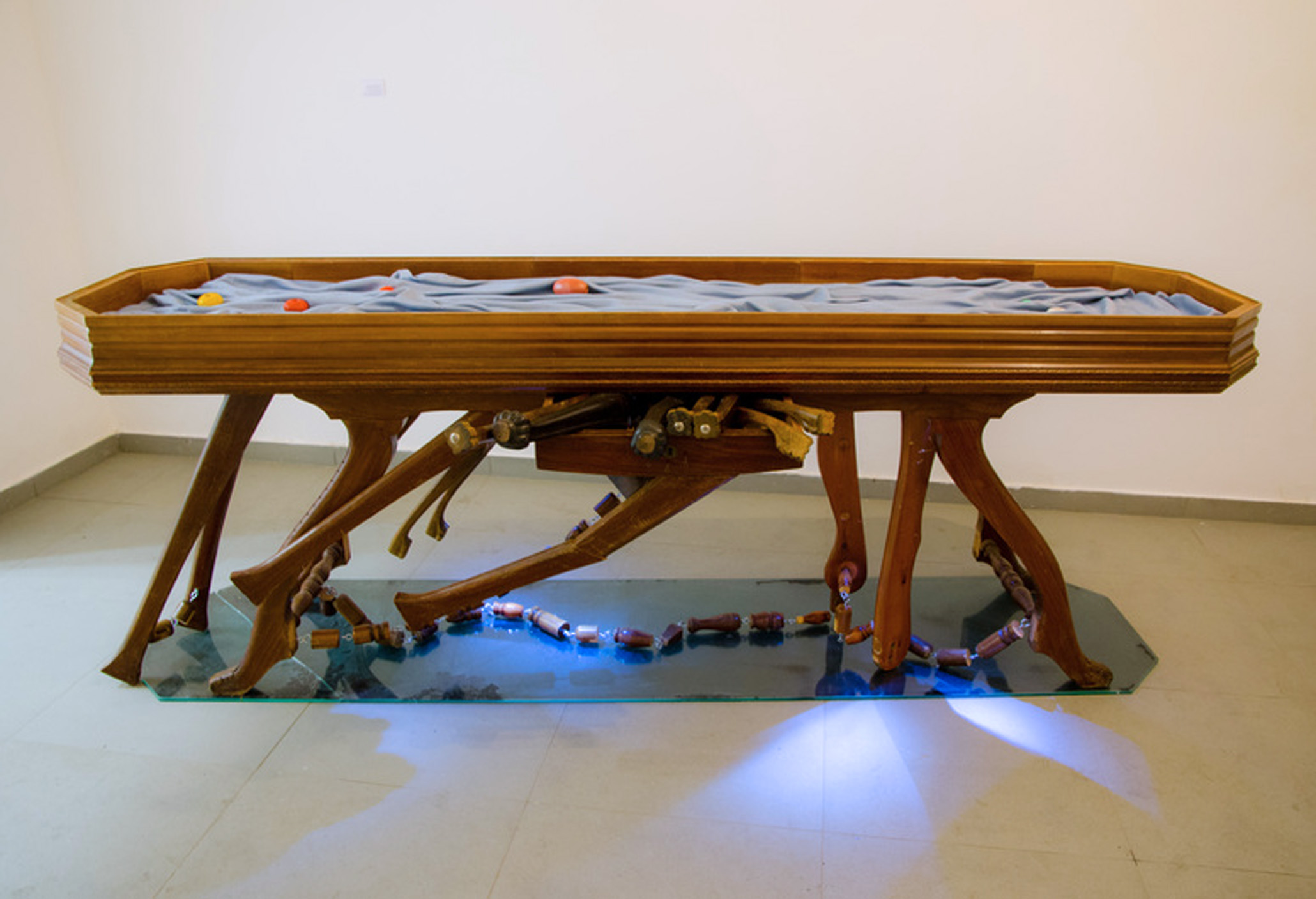 SCHLACHTEN | Performed Furniture | The Merchant's Vitrine Table, the Sea as a Locked Space of Trade | Image © Sonia Barrett