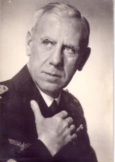 1937 Porträt 003bklein