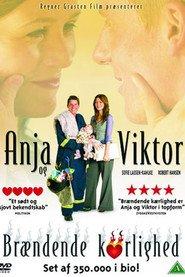 """Plakat for filmen """"Anja og Viktor - Brændende kærlighed"""""""
