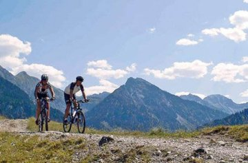 Geschenkgutschein: Rafting & Mountainbiking mit 2 übernachtungen im ötztal -