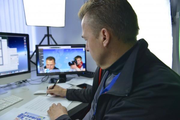 Hannes Schleeh in seinem Hangout on Air Studio im Pressezentrum der AGRITECHNICA 2013