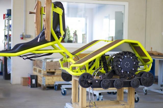 Zwei Scheibenläufermotoren mit je 4,4 kW treiben den Ziesel an