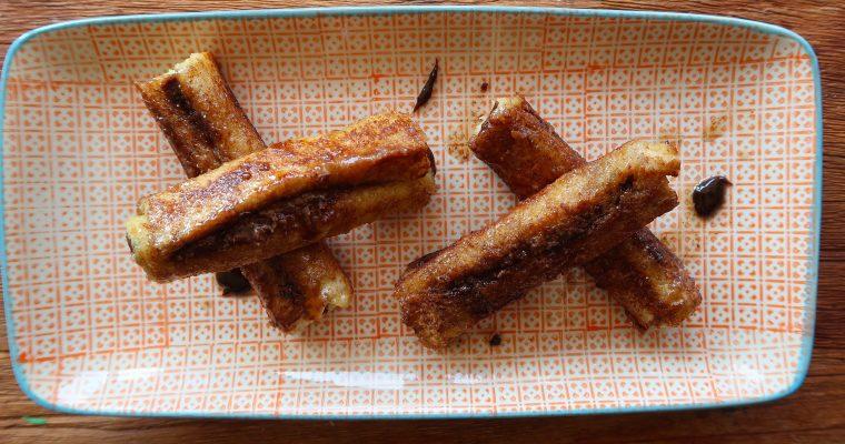 Mit Nutella gefüllte French Toasts
