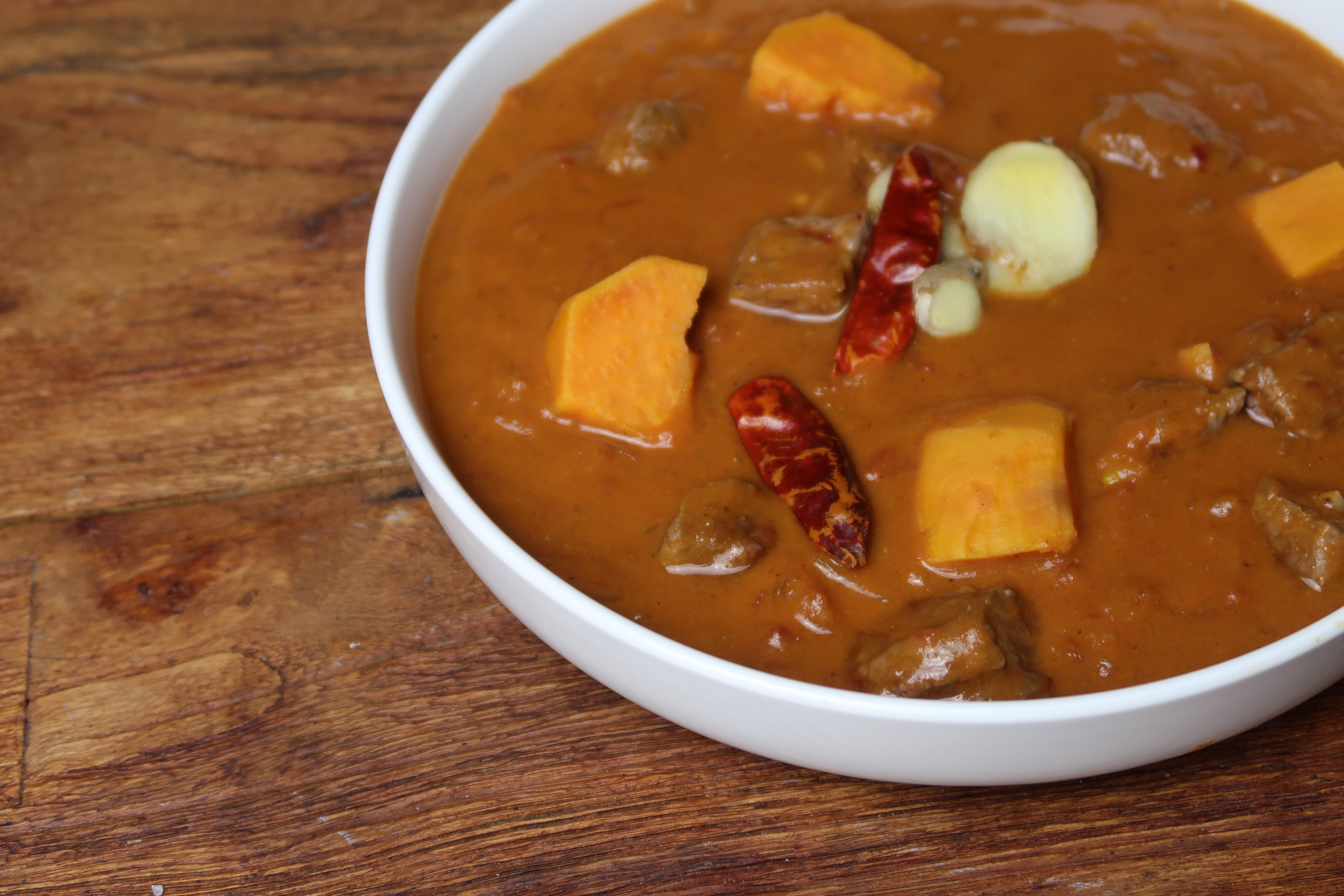 Erdnuss-Suppe aus Ghana