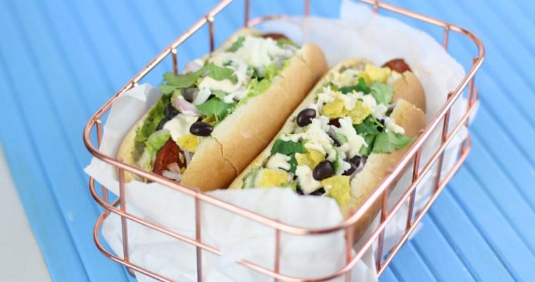 Hotdog à la mexicana mit Chorizo