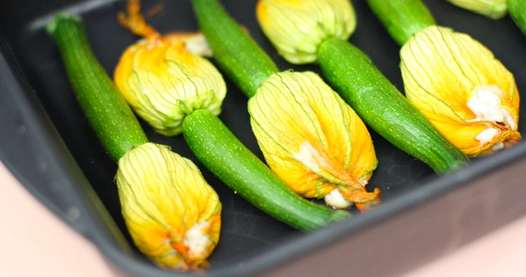 Gefüllte Zucchiniblüten mit Ricotta, Pinienkernen und Parmesan