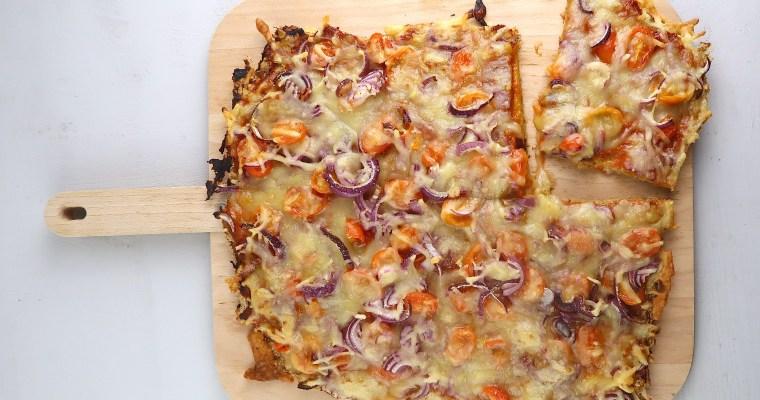 Vegane Käse-Zwiebel-Pizza mit Lowcarb-Boden