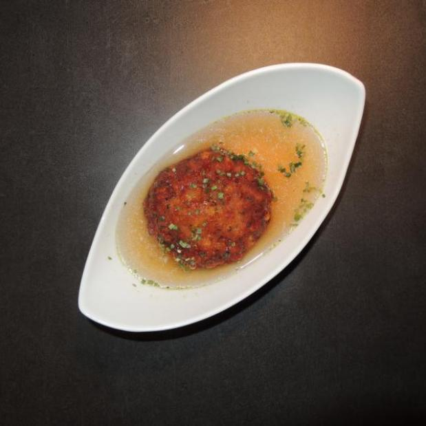 Osttiroler Käspressknödel in klarer Suppe, Suppeneinlage