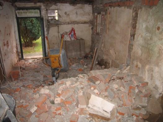 Nach dem Abriss der Ziegeldecke wegen Baufälligkeit