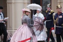 Schirme gehören zu Grundausstattung der Damen um den Teint zu schonen
