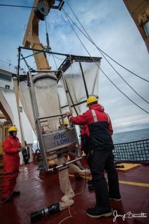Deploying LOKI on the CCGS Amundsen in 2013. Credit: Jessy Barette