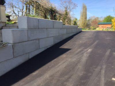 Mur soutènement pour descente de garage