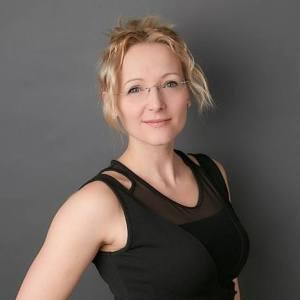 Anne Lindner, Berufs-Fotografin, Schmuckfotografie Zürich