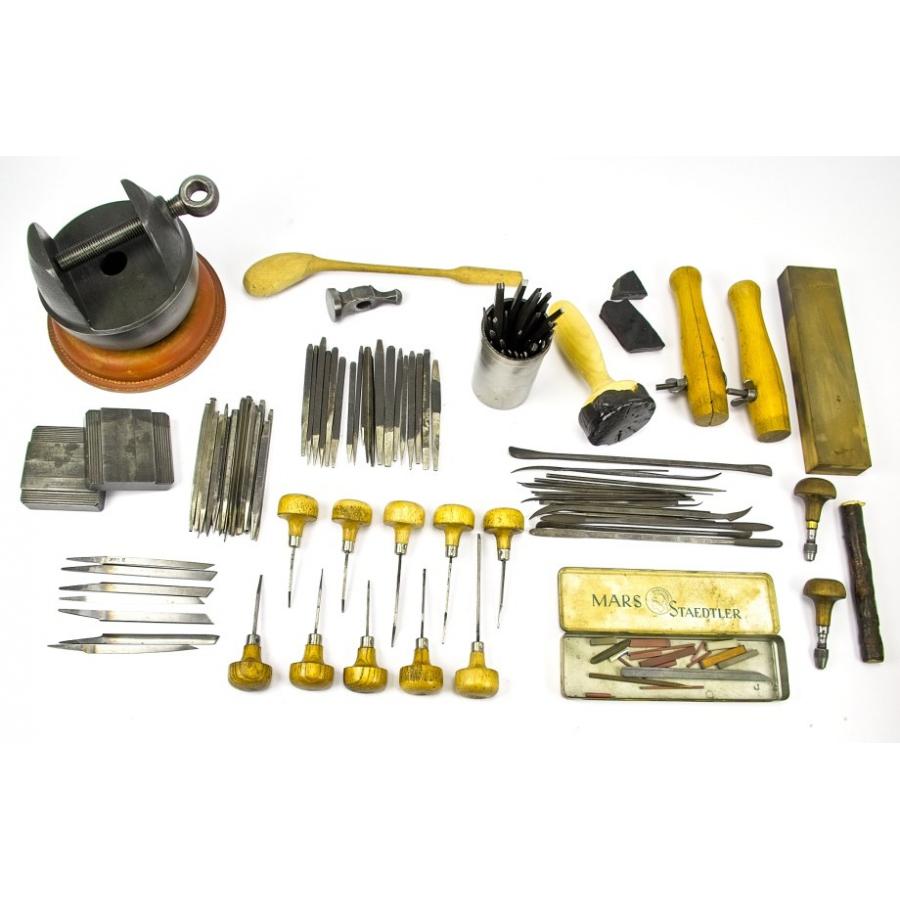 umfangreiches Werkzeugset zum gravieren und ziselieren  3