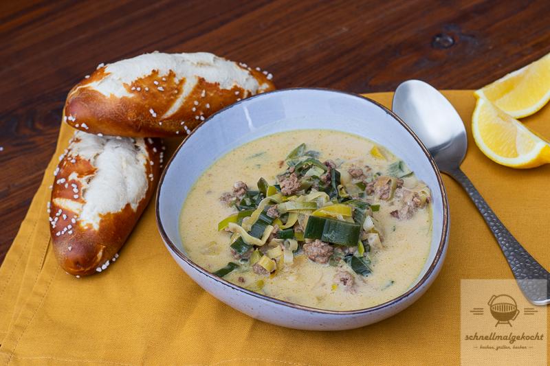 Bier-Käse-Lauch-Suppe mit Hackfleisch