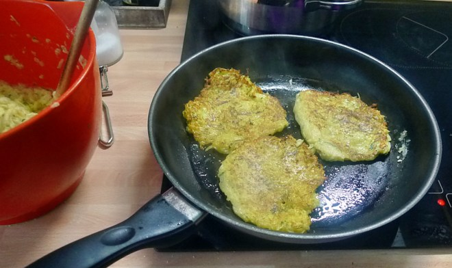 Zucchini-Kartoffelpuffer-26.7.14   (7)