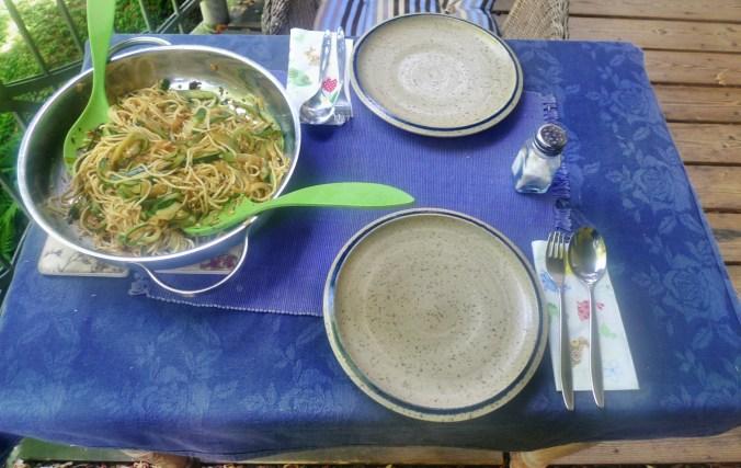 Spaghetti-Zucchinipfanne-27.8.14   (9)
