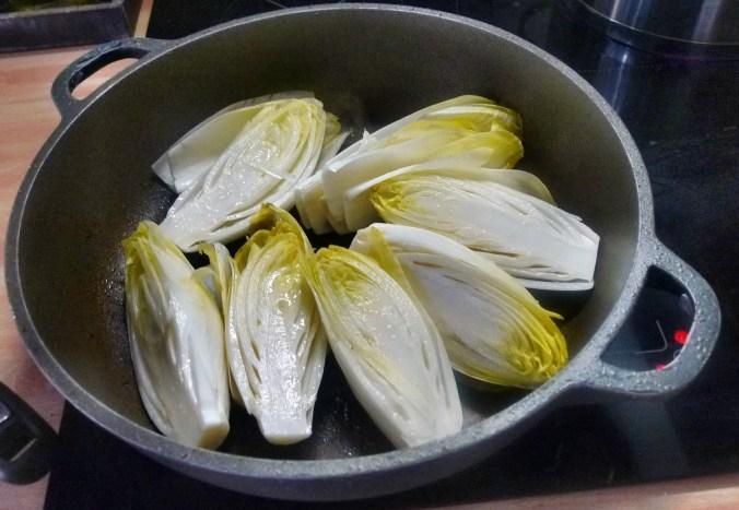 Chicoree,Salzkartoffeln,Pflaumenkompott,vegetarisch - 28.2.15   (3)