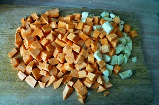Süßkartoffelsuppe -23-5-155   (1)
