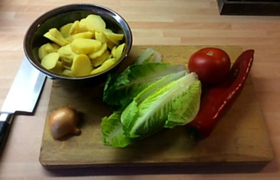 22.1.16 - Marinierter Hering,Bratkartoffeln,Obstsalat (1c)