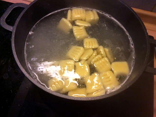 11.2.16 - Lachs,Gnocchis,Sauce,pescetarisch (10)
