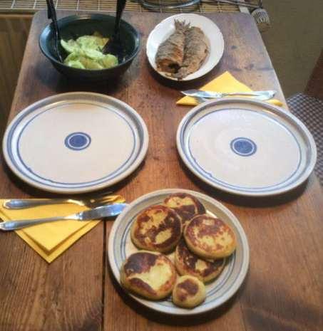 12.2.16 - Brathering,Taler,Gurkensalat,Dessert (6)