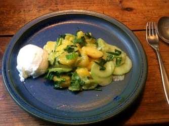 20.3.16 - Kartoffelsalat,pchiertes Ei,Quitten Dessert,vegetarisch (14)