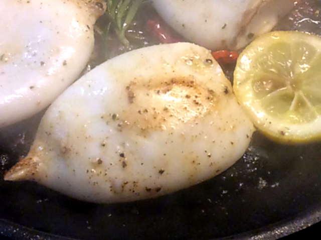 13.4.16 - Tintenfisdch Tuben,Tomaten,Baguette   (10)