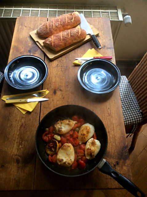 13.4.16 - Tintenfisdch Tuben,Tomaten,Baguette   (14)