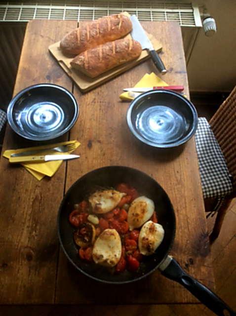 13.4.16 - Tintenfisdch Tuben,Tomaten,Baguette   (2)
