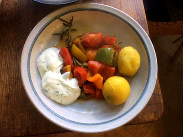 18.4.16 - Paprikapfanne,Joghurtdip,Kartoffeln,vegetarisch (8)