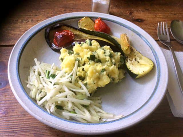 25.4.16 - Ofengemüse,Kartoffelstamp mit Löwenzahn,Kohlrabisalat (1)