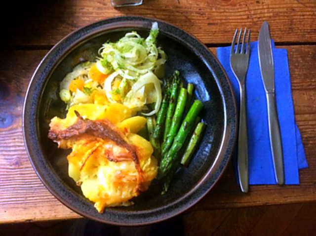 29.4.16 - Kartoffelgratin,grüner Spargel,Fenchelsalat (1)