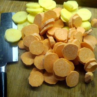 kartoffelgratingebratene-zucchinibaba-ganoushguacamoleolivengebackener-fetavegetarisch-4