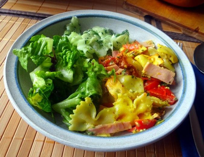 Resteessen,Gurkensalat,Romasalat (10)
