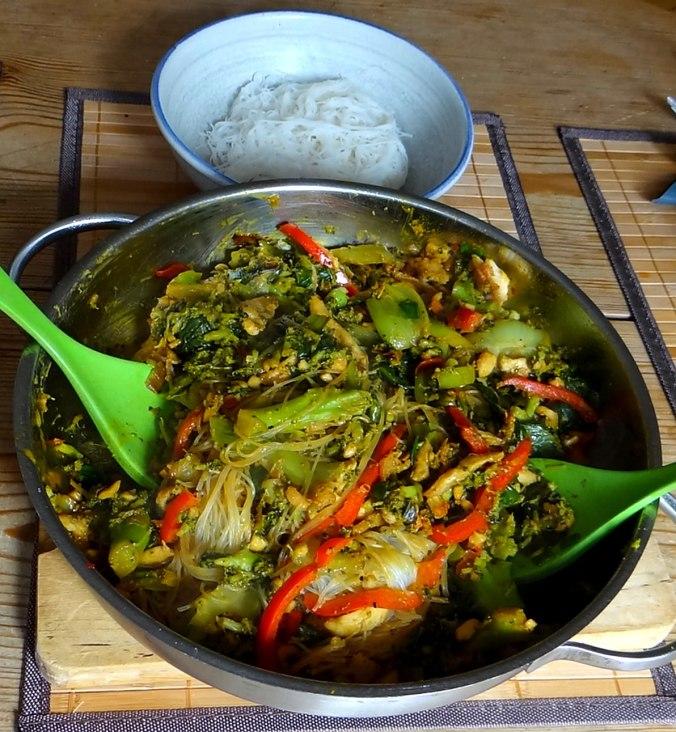 Brokkoli mit Erdnüssen und Glasnudeln (4)
