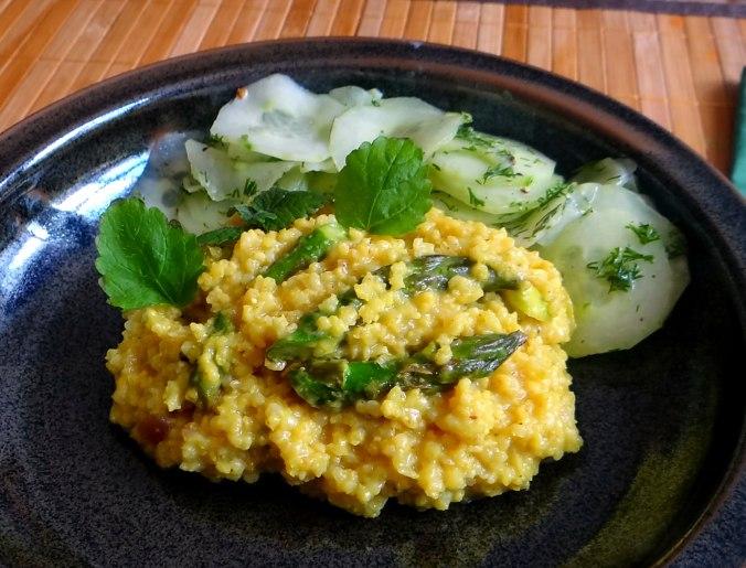 Hirsotto mit grünem Spargel,Gurkensalat (3)