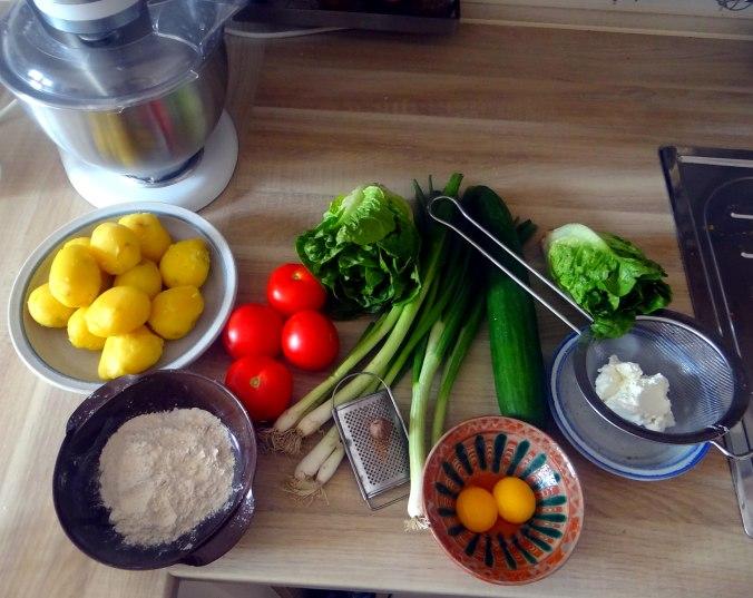 Basilikum Gnocchi mit Tomatensauce und Salaten (3)