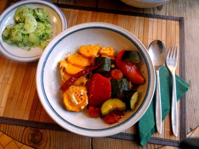 Ratatouille grob,Süßkartoffel Gratin,Obstsalat (20)