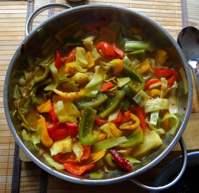 Gemüse in Kokosmilch mit Belugalinsen (12)