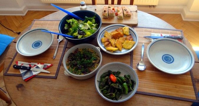 Shitake,Polenta,Pimientos,Salat, (4)