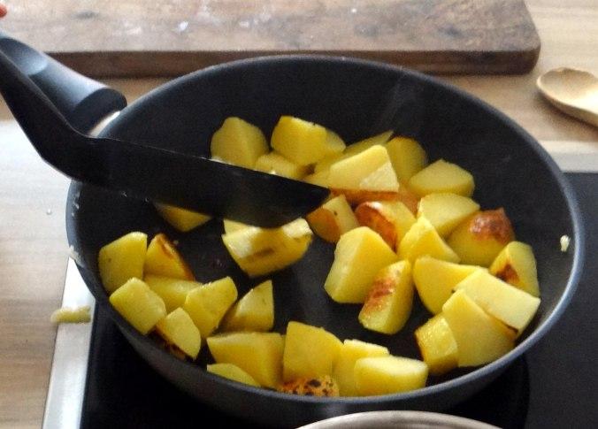 Fritierte Portobello,Bratkartoffeln,Pimientos,Salat,vegan (12)