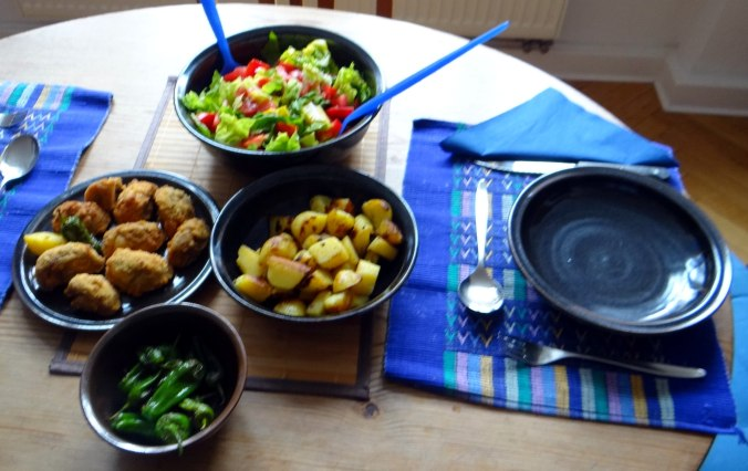 Fritierte Portobello,Bratkartoffeln,Pimientos,Salat,vegan (4)