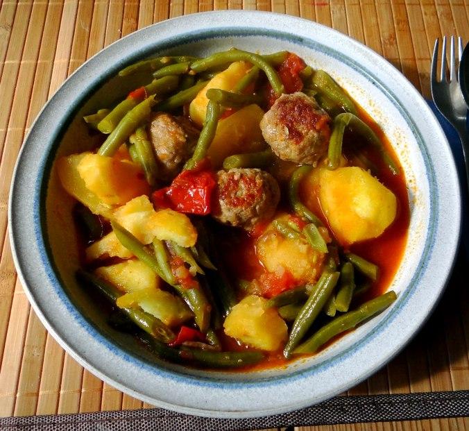 Bohnen Eintopf,Obstteller (3)
